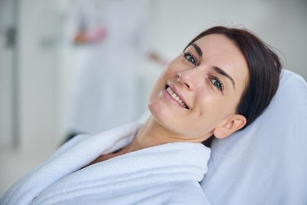Cliente soddisfatta dopo un trattamento